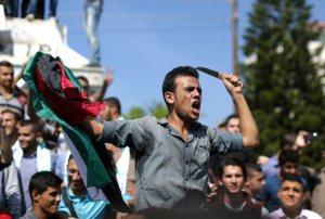 palestinian_knifer