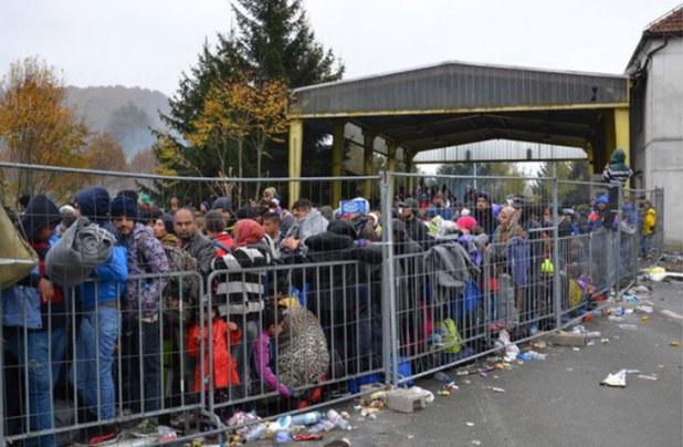 Spielfeld, migrants en passe d'entrer en Autriche depuis la Slovénie