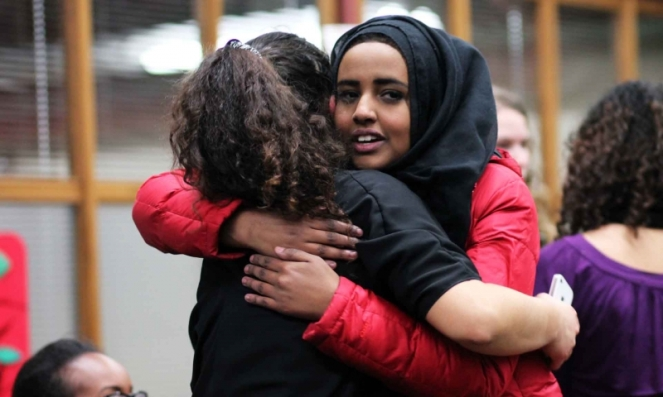 The far left still loves the muslims as they share the same totalitarian idea of government