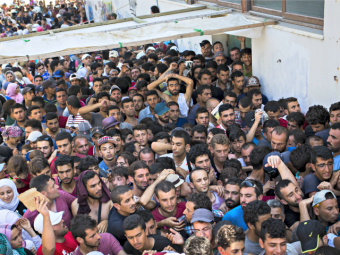 syrian_refugees-alexander-zemlianichenkoap-640x480
